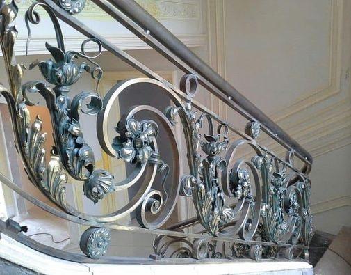 mẫu lan can cầu thang sắt nghệ thuật mỹ thuật đẹp