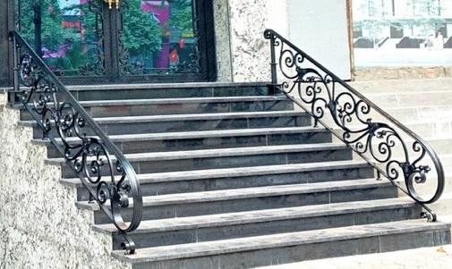 mẫu lan can cầu thang sắt mỹ thuật đẹp - nghệ thuật
