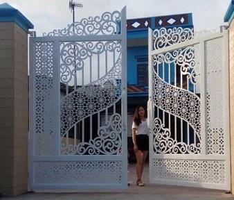 mẫu cửa cổng sắt cnc đẹp thành phố hồ chí minh
