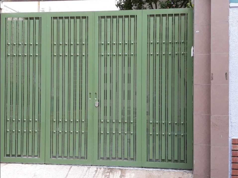 mẫu cửa cổng sắt hộp giá rẻ
